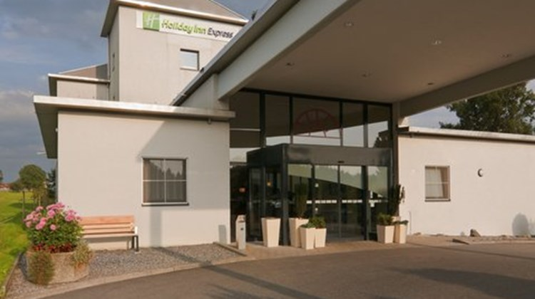 Holiday Inn Express Luzern-Neuenkirch Exterior