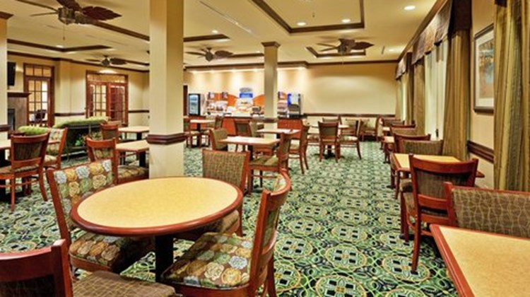 Holiday Inn Express Millington Restaurant