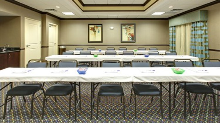 Holiday Inn Express & Suites Covington Meeting