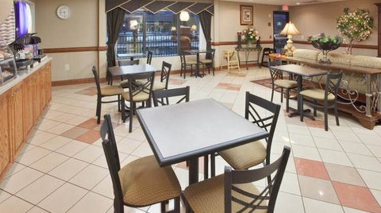 Holiday Inn Express & Suites Laurinburg Restaurant