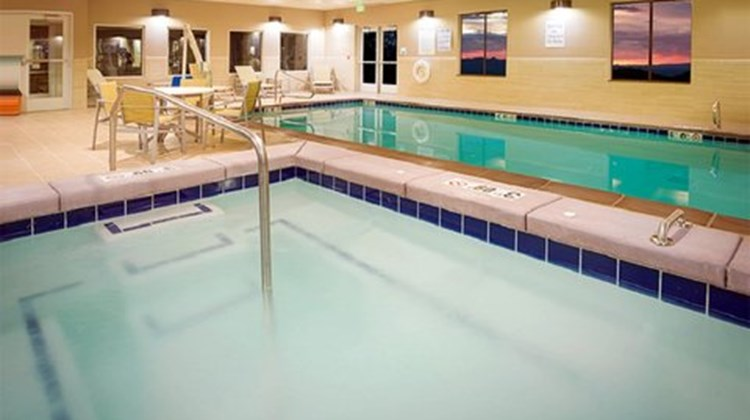 Holiday Inn Express & Stes Murray Pool