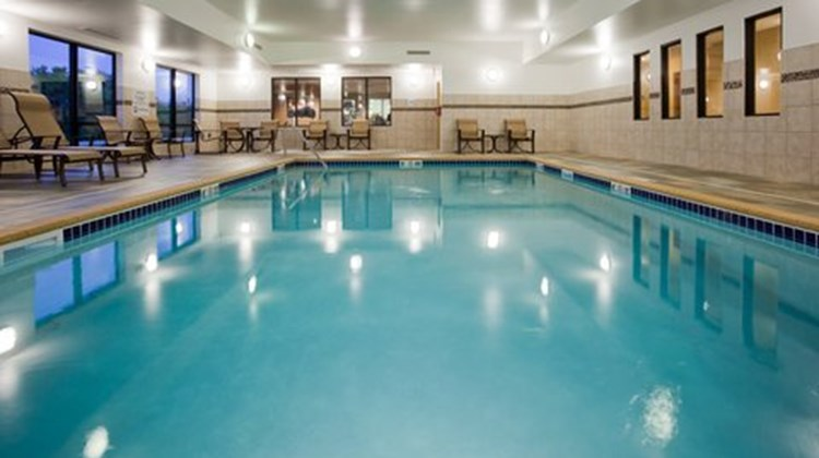 Holiday Inn Express and Suites Pool