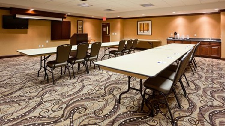 Holiday Inn Express and Suites Meeting