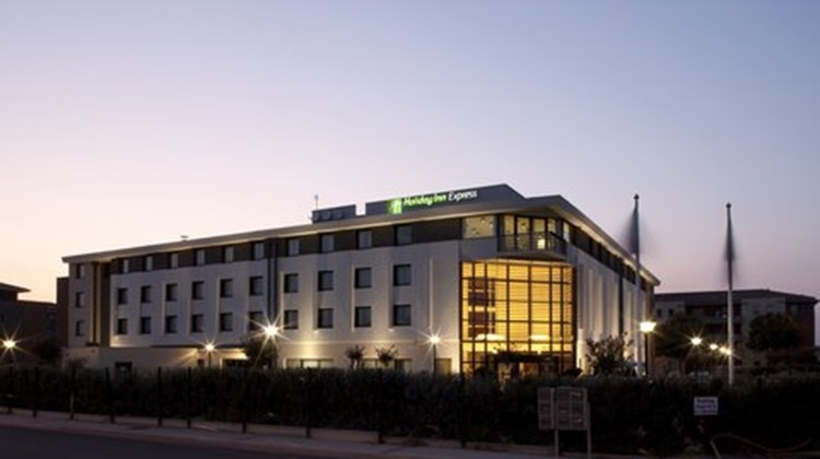 Holiday Inn Express Toulouse Airport Exterior
