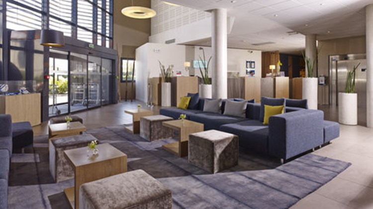 Holiday Inn Express Toulouse Airport Lobby