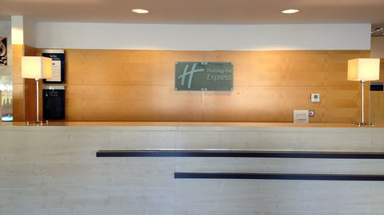 Holiday Inn Express Valencia Bonaire Lobby