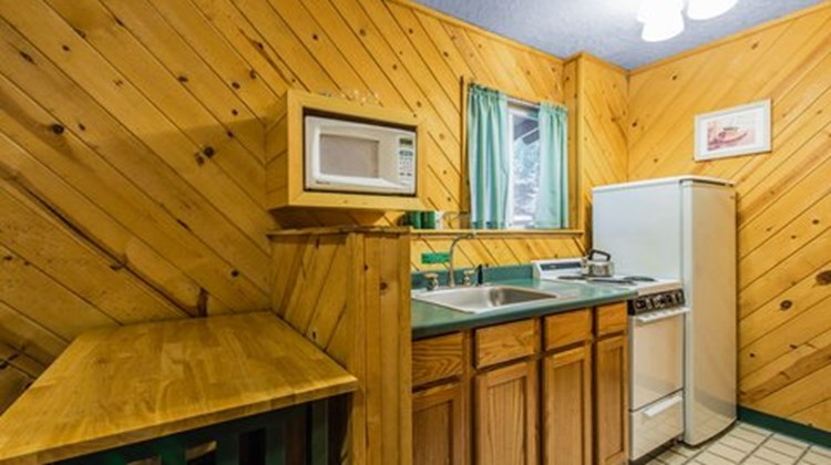 Emerald Forest Cabins & RV Room