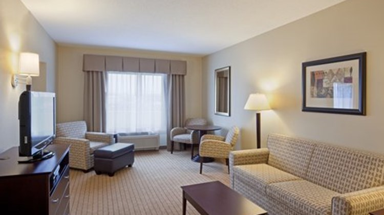 Holiday Inn Express Malone Suite