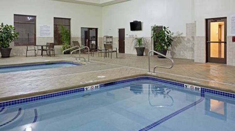 Holiday Inn Express Malone Spa