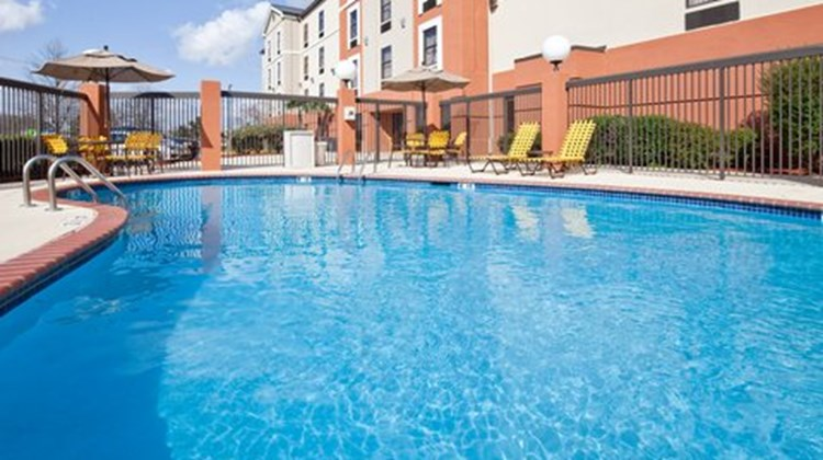 Holiday Inn Express & Suites - Ridgeland Pool