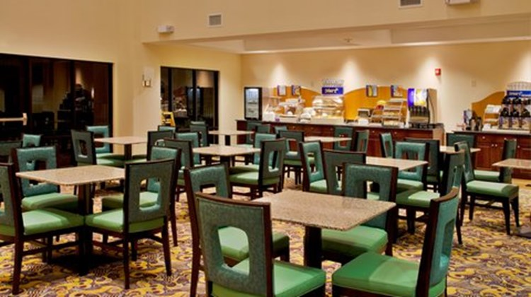 Holiday Inn Express Hotel & Suites -East Restaurant