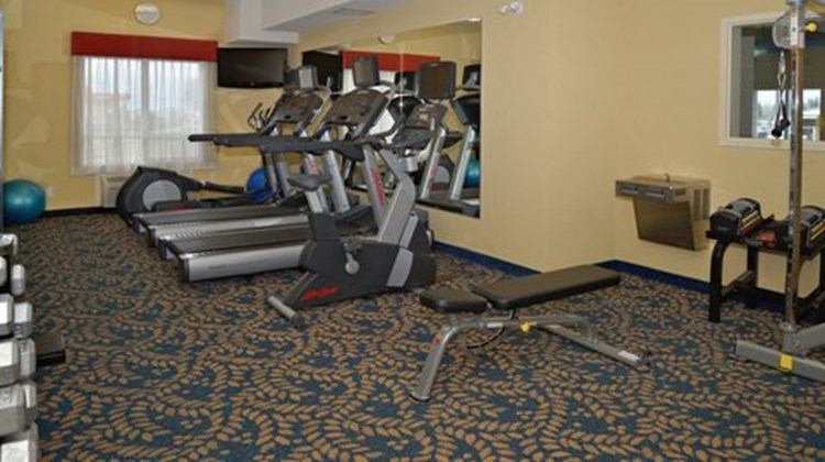 Holiday Inn Express Hotel & Suites Edson Health Club