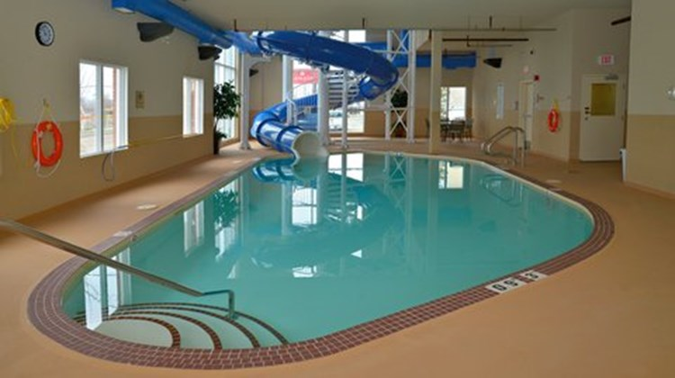 Holiday Inn Express Hotel & Suites Edson Pool