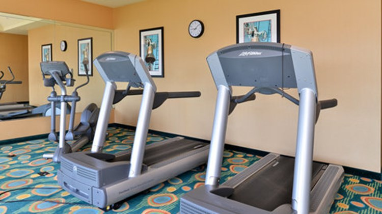 Holiday Inn Express & Suites VA Beach Health Club