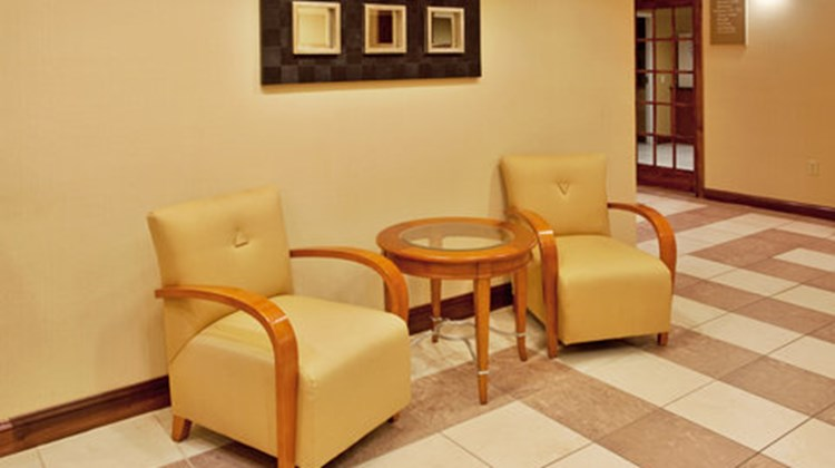 Holiday Inn Express & Suites Hardeeville Lobby