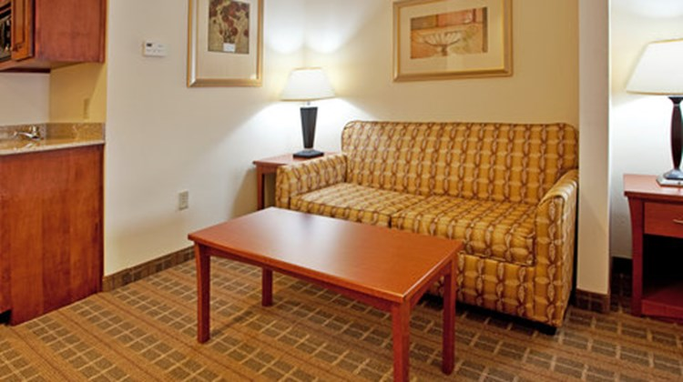 Holiday Inn Express & Suites Hardeeville Room
