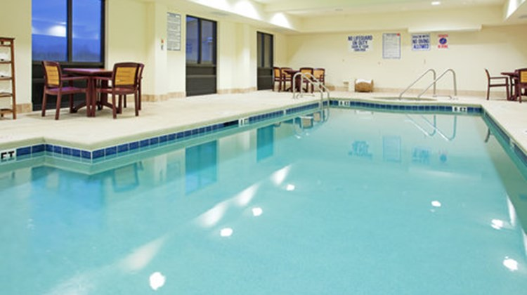 Holiday Inn Express & Suites Hardeeville Pool