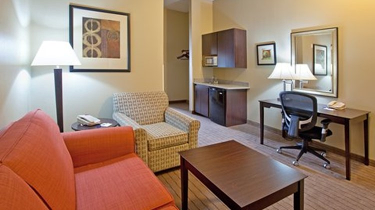 Holiday Inn Express & Stes Rancho Mirage Suite