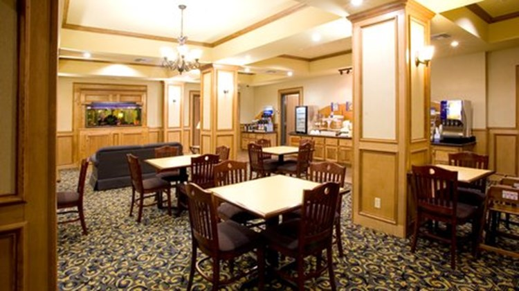 Holiday Inn Express Jourdanton Restaurant