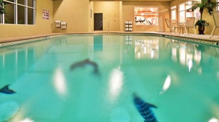 Holiday Inn Express Denison North Pool