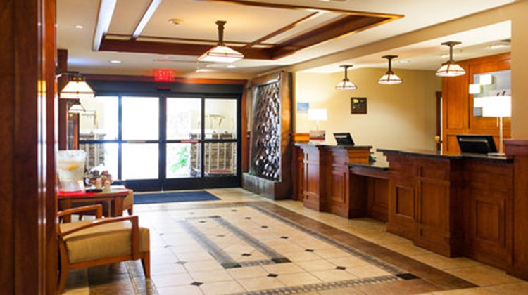 Holiday Inn Express Turlock Lobby