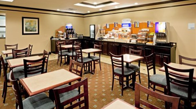 Holiday Inn Express & Sts Syracuse North Restaurant
