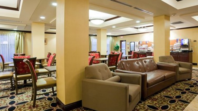 Holiday Inn Express & Suites Selma Restaurant