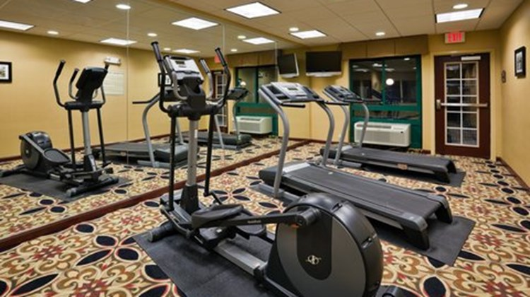 Holiday Inn Express & Suites Selma Health Club