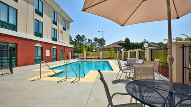 Holiday Inn Express & Suites Selma Pool