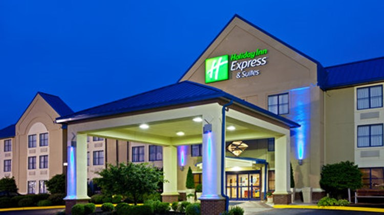 Holiday Inn Express & Suites Scottsburg Exterior