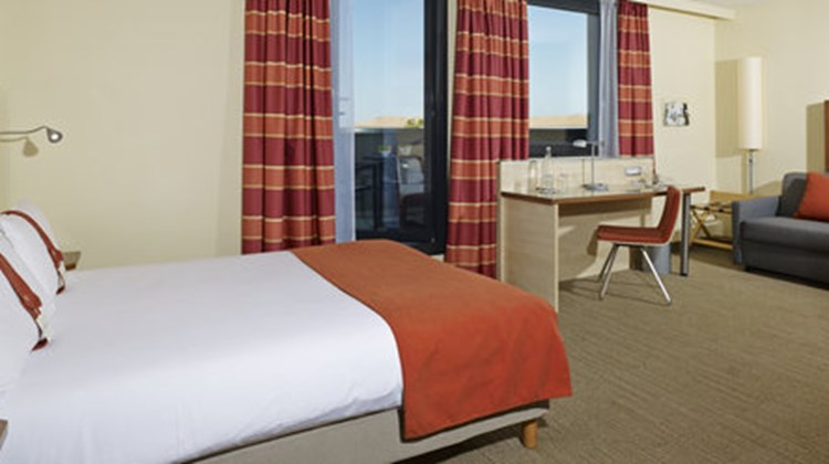 Holiday Inn Express Toulouse Airport Room