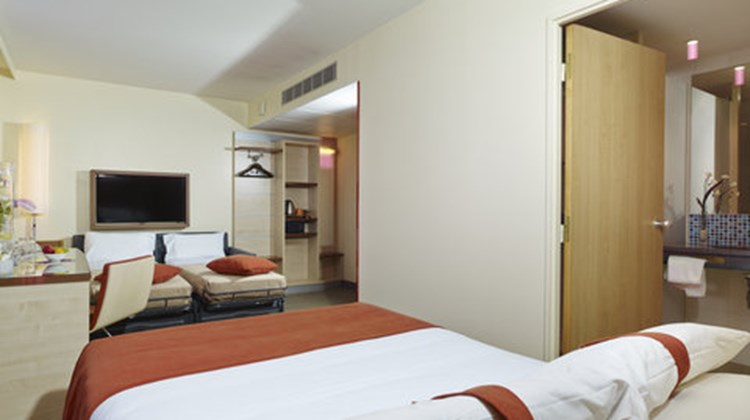 Holiday Inn Express Toulouse Airport Suite
