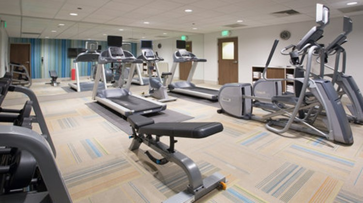 Holiday Inn Express & Suites Airport Health Club