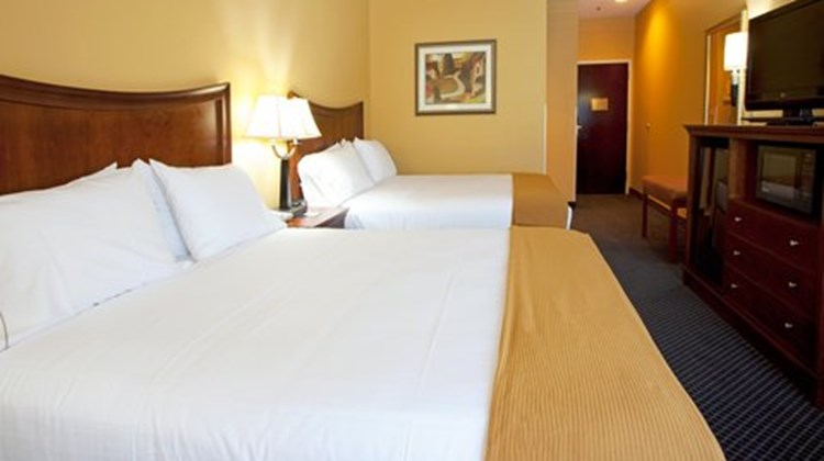 Holiday Inn Express-Savannah North Room