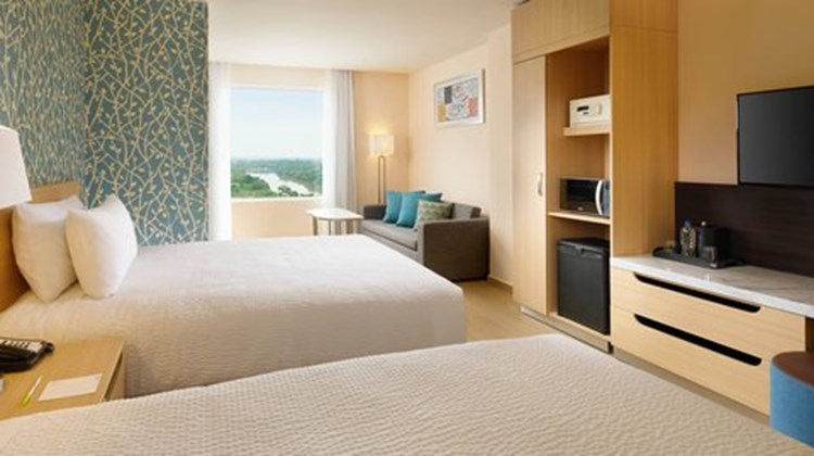 Fairfield Inn & Suites Villahermosa Room