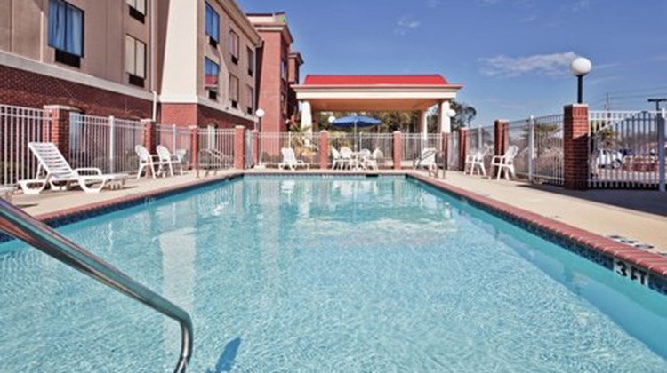 Holiday Inn Express & Suites Pool
