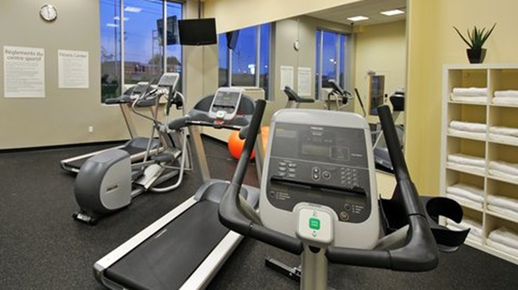 Holiday Inn Express Montreal Airport Health Club