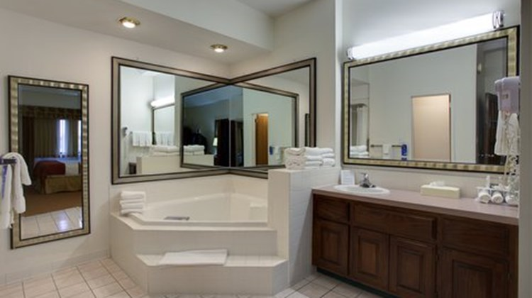 Holiday Inn Express Branson - Green Mtn Suite