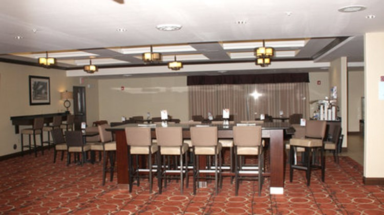Holiday Inn Express & Suites La Vale Restaurant