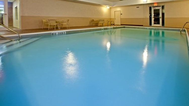 Holiday Inn Express & Suites Frankfort Pool