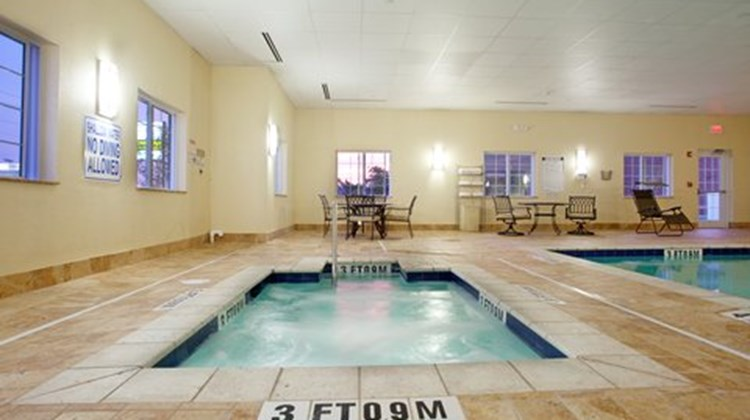 Candlewood Suites Sumter Pool