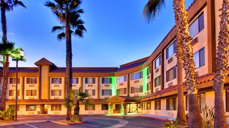Holiday Inn of La Mesa Exterior