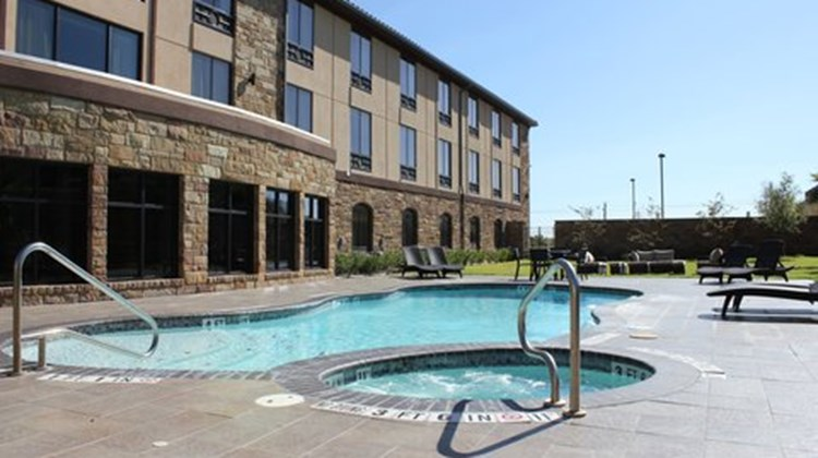 Holiday Inn Express Suites Lakeway Pool