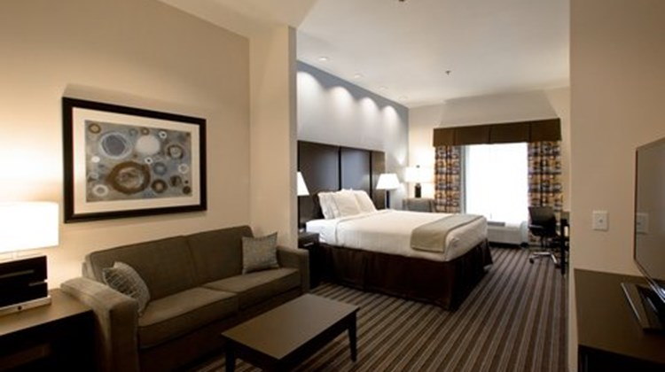 Holiday Inn Express Suites Lakeway Suite