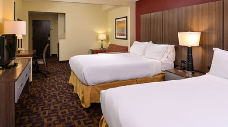 Holiday Inn Express & Suites - Ridgeland Room