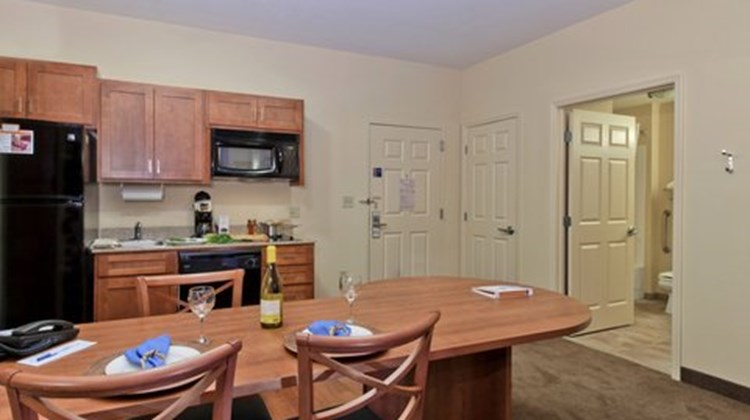 Candlewood Suites Mobile Downtown Suite