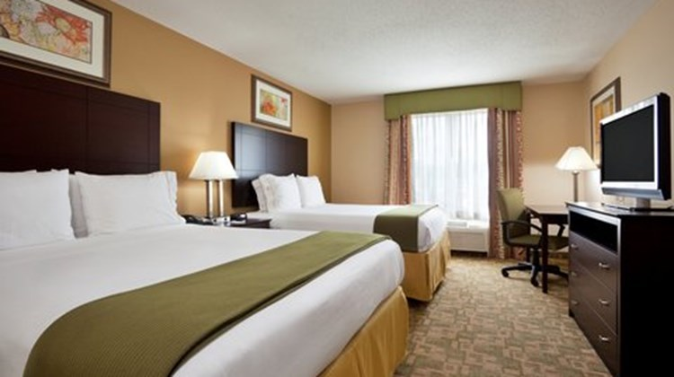 Holiday Inn Express & Suites Dayton Sout Room