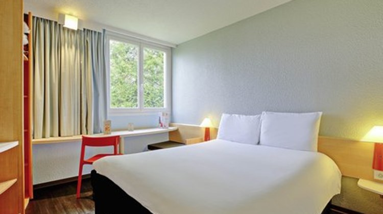 Ibis Poitiers Beaulieu Room