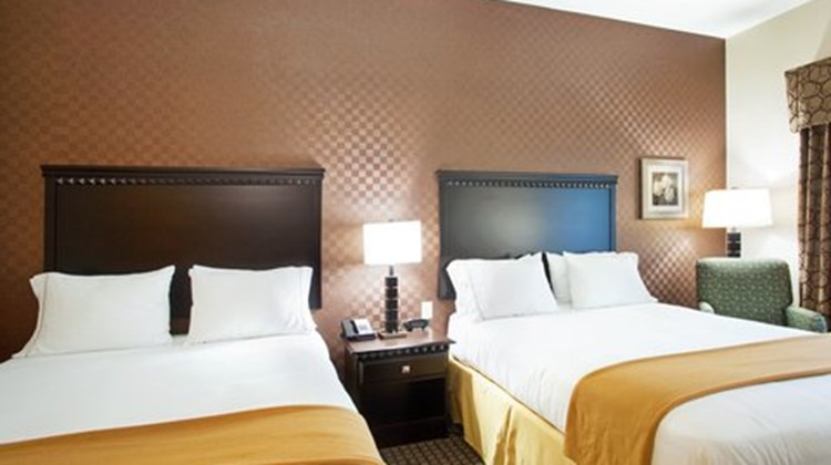 Holiday Inn Express Hotel & Suites Peru Room