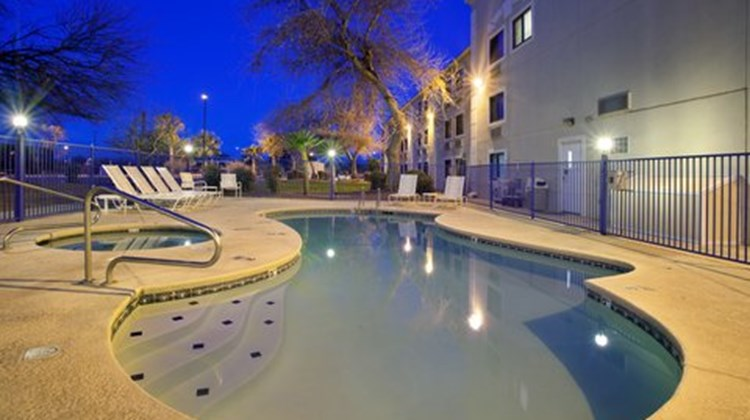 Holiday Inn Express Tucson Airport Pool
